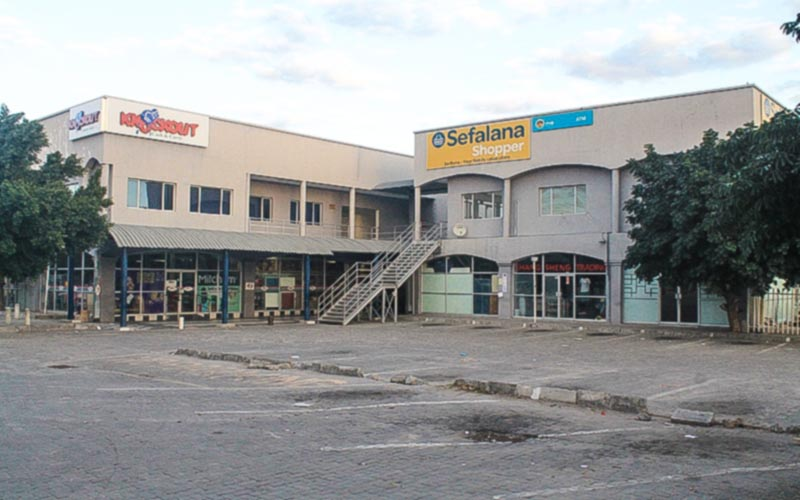 Engen filling station and shopping complex in Boseja, Maun